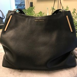 VINCE CAMUTO VV-IKE-TO Soft Black Leather Tote